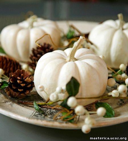 осенний декор из белой тыквы